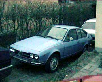 In front of the gtv is my blue alfa 90, in the back the previous alfa